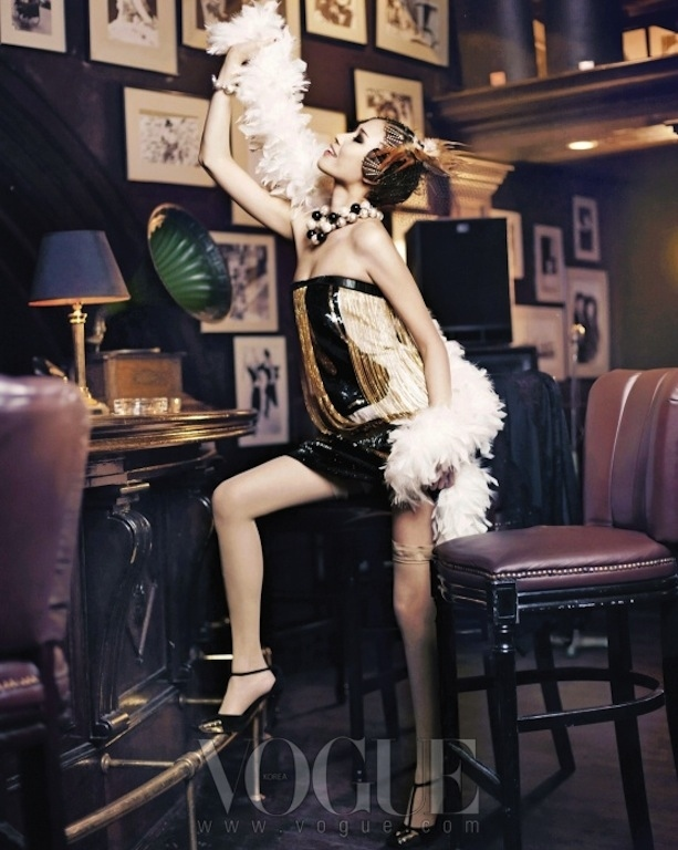 flappers-back-vogue-korea11