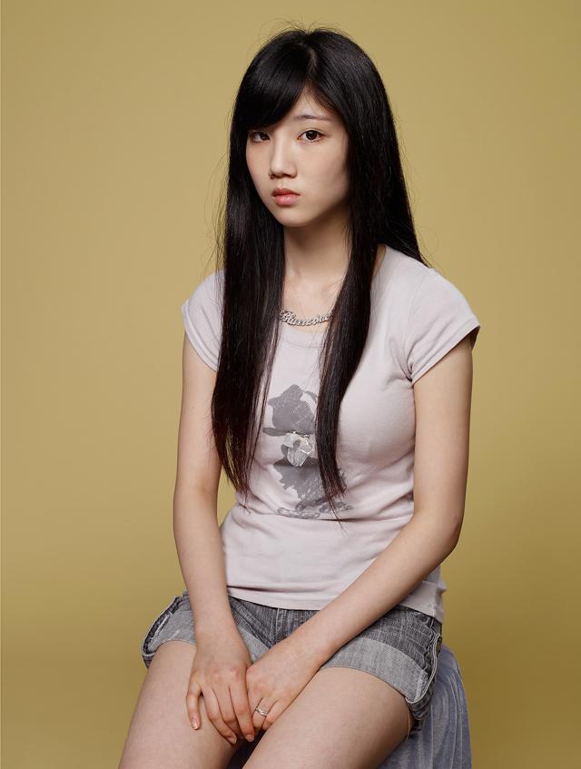 hein-kuhn-oh-cosmetic-girls-3