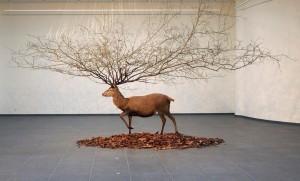 Les sculptures hybrides de Kim Myeongbeom
