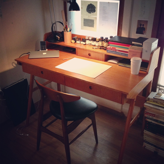 desk-moonassi