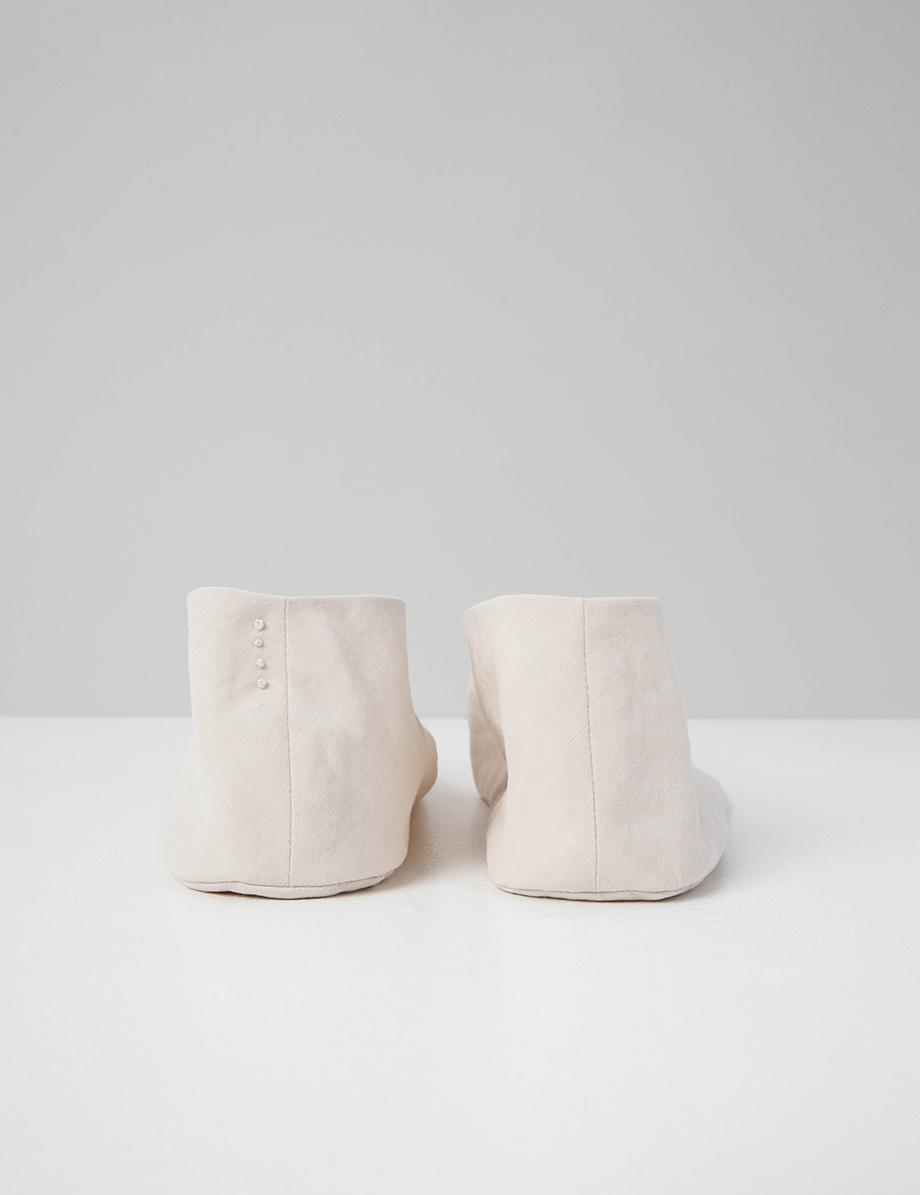 chausson coréen blanc