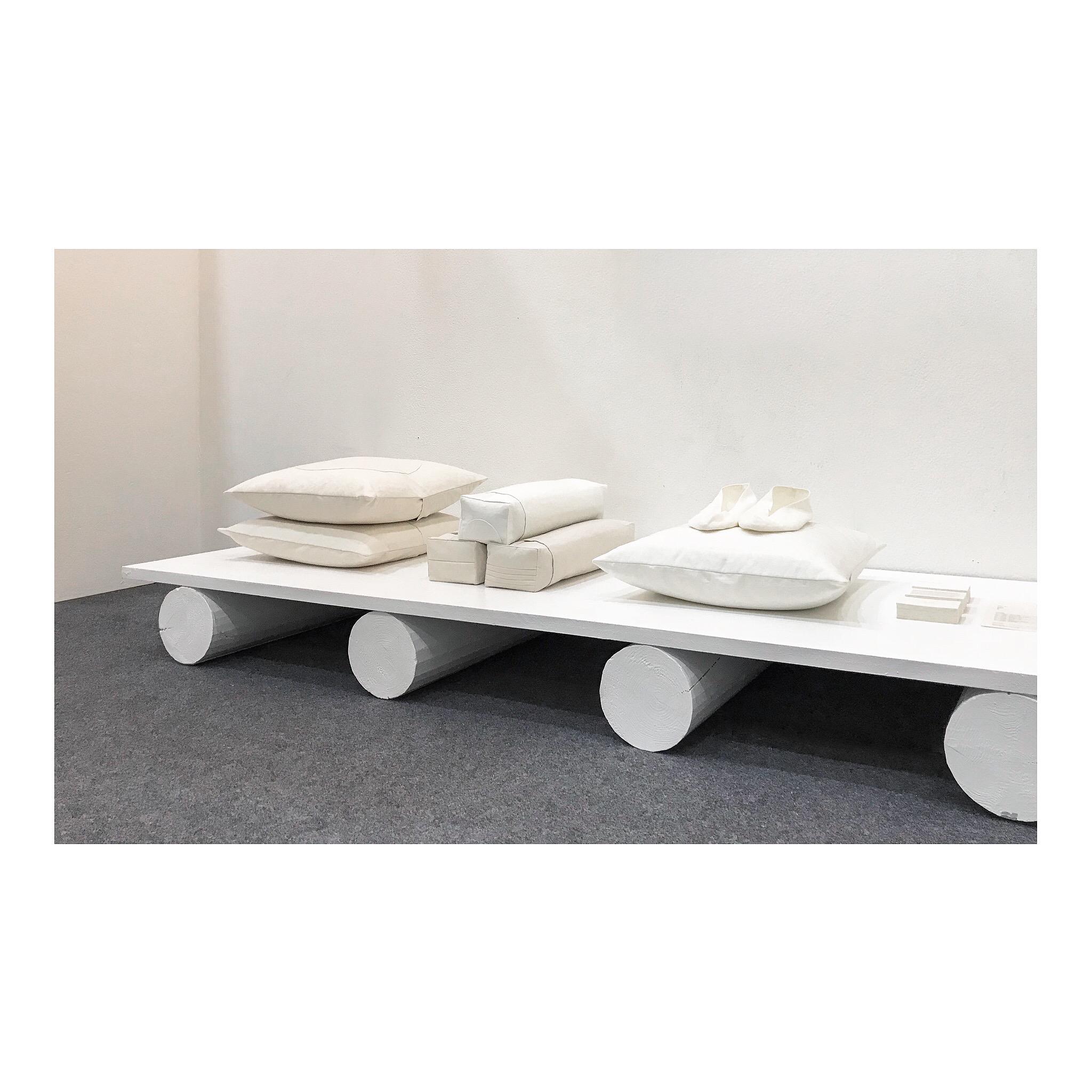 accessoire textile coréen blanc
